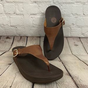 Microwobbleboard Fitflop metallic brown sandal 8